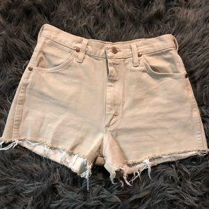 Tan Wrangler mid rise vintage shorts